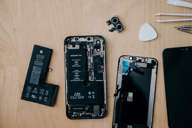 How to Start a Phone Repair Store